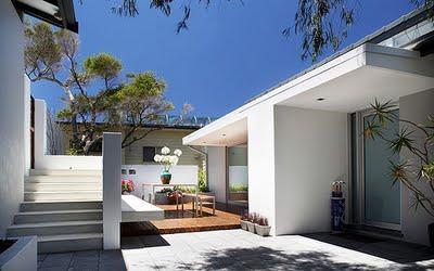 Nuevos patios modernos paperblog for Jardines pequenos para casas modernas