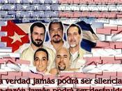 jóvenes mundo alzan Cinco Cubanos prisioneros Imperio