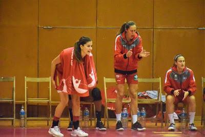 Galería de clics del Bàsquet Femení Sant Adrià-RACA Granada (Liga Femenina 2)