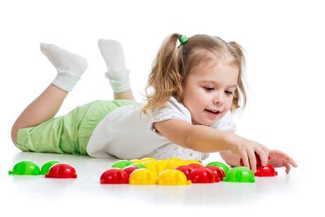 El papel de los juguetes y juegos en el desarrollo de nuestros hijos