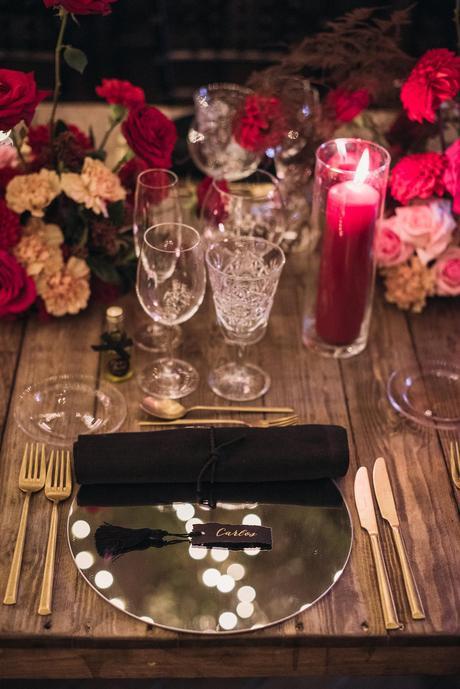 Boda de noche llena de luces   iluminacion set de mesa   Bodas de Cuento