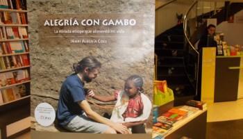 El temporal Gloria no impide la presentación del libro «El Último cooperante» en Barcelona