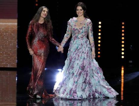 Angela Molina, de Caprile, vs. Penélope Cruz, de Ralph & Russo, en los Premios Goya