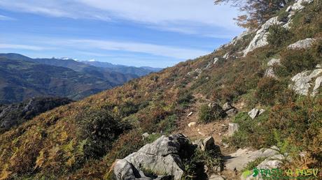 Sendero por la Sierra de Pelúgano hacia el Pico Formoso