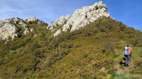 Tramo de ascenso hacia el Pico Formoso donde comienza la vegetación