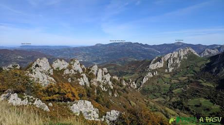 Vista hacia la Xamoca y Peña Mayor desde el Pico Formoso