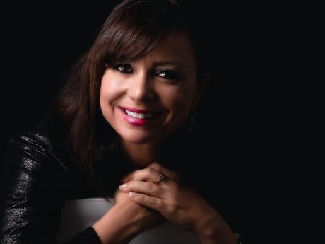 Elena Alfaro: «las políticas económicas deberían tener presente el papel que juegan las emociones»