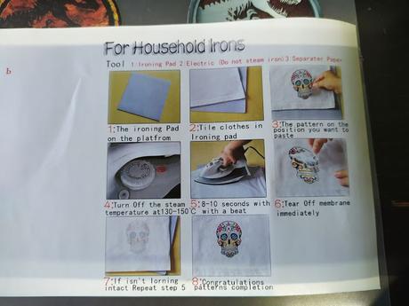 Instrucciones para pegar pegatinas con plastico en tela
