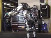 Atlas, robot humanoide, muestra nueva mejorada rutina gimnasia