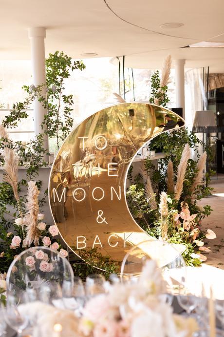 Destination Wedding en un castillo Deco to the moon and back