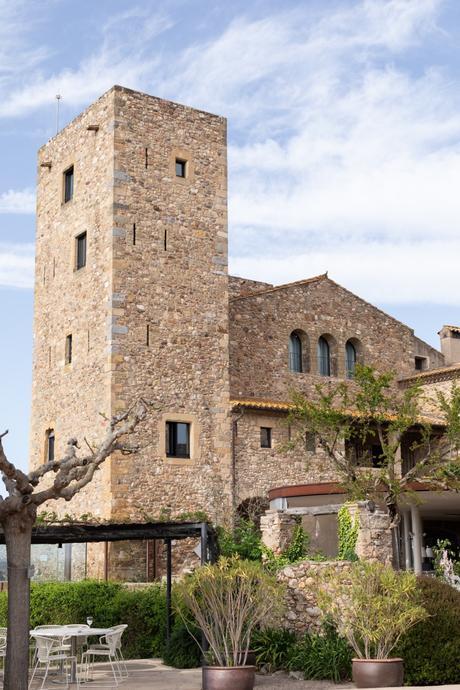 Destination Wedding in a castle in Costa Brava