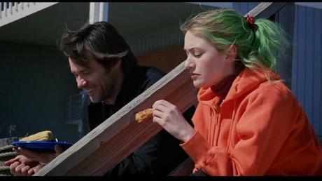 Eternal Sunshine of the Spotless Mind:  ¿por qué el cabello de Clementine cambia de color todo el tiempo?