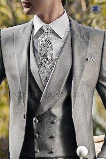 Chaqué gris perla de lana seda corte entallado italiano