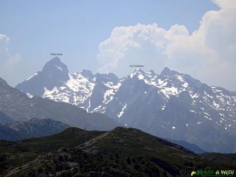 Vista desde el Cabeza Vigueras hacia el Macizo Occidental de Picos de Europa