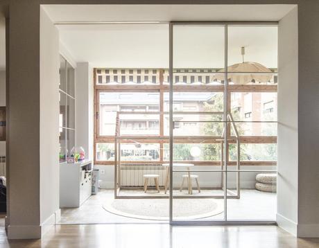 reforma integral madrid emmme studio Vanesa y Jose terraza puerta corredera cerrajería.jpg