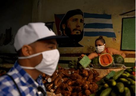 """Newsweek: Cuba usa """"medicamento maravilla"""" para combatir el coronavirus en todo el mundo a pesar de las sanciones de Estados Unidos"""