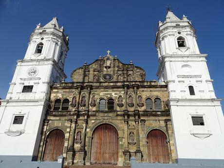 LA CIUDAD VIEJA DE PANAMA CITY