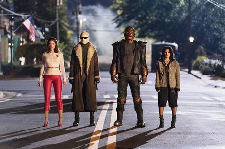 Marginados y en familia: Reseña de Doom Patrol (2019-)