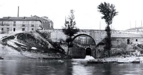 El desaparecido puente del Cubo o del Espolón Viejo