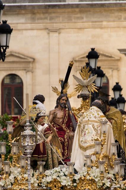 SÁBADO SANTO EN SEVILLA Y DOMINGO RESURRECCIÓN EN ARAHAL