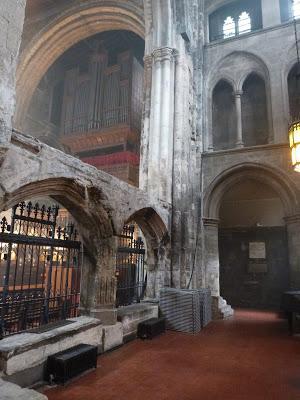 ROMÁNICO EN LONDRES. SAINT BARTHOLOMEW THE GREAT. Transepto Norte