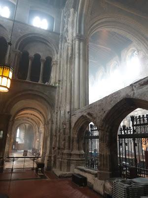 ROMÁNICO EN LONDRES. SAINT BARTHOLOMEW THE GREAT. Vista Transepto Norte