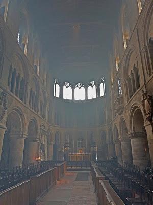 ROMÁNICO EN LONDRES. SAINT BARTHOLOMEW THE GREAT. nave