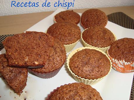 MAGDALENAS DE CHOCOLATE Y ALMENDRAS