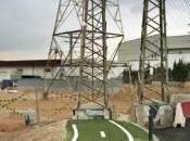 paisaje absurdo 'ladrillazo (español)' visto fotógrafo inglés Third Floor Gallery Cardiff Exhibitions Next: Gathering Clouds Roberts