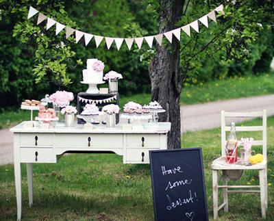 Mesa de dulces una fiesta rom ntica paperblog for Articulos para decorar jardines