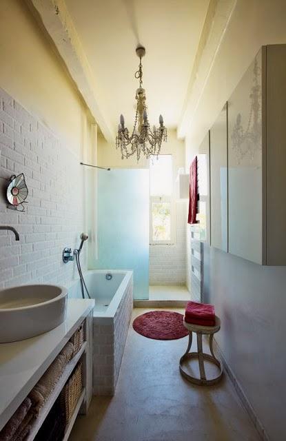 un zocalo en el cuarto de ba o 39 el regreso 39 paperblog. Black Bedroom Furniture Sets. Home Design Ideas