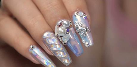 Cómo pegar piedras y cristales en las uñas   4 Trucos