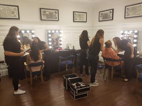 Las 7 cualidades que te convertirán en un maquillador altamente competitivo