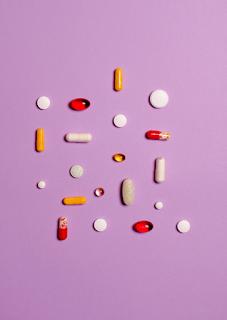 La necesidad de farmacovigilancia en la práctica oftálmica.