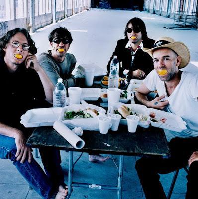 R.E.M. - New test leper (1996)