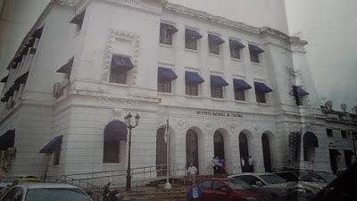 Un Palacio de la Cultura que albergó las sedes de los Poderes Legislativo y Judicial en Panamá.