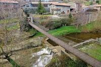 Puente colgante sobre la riera de Rupit