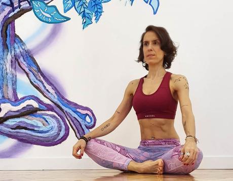 Yoga en tiempos de Cuarentena – Entrevista a Laura Tello (@latebri9)
