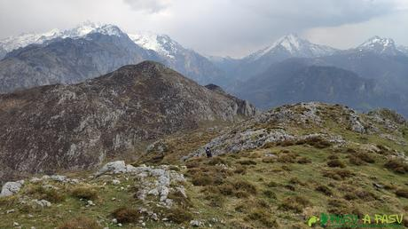 Vista hacia los Picos de Europa desde el Priniello
