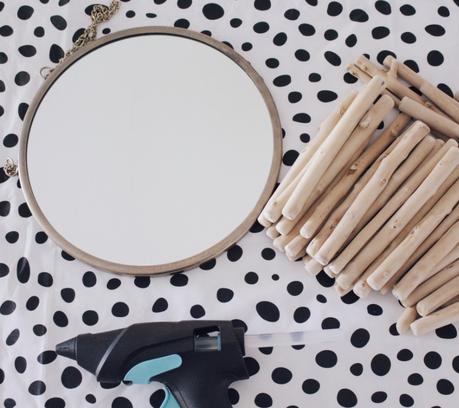 3 manualidades con palitos de madera- Espejo con forma de sol -Laucreativa