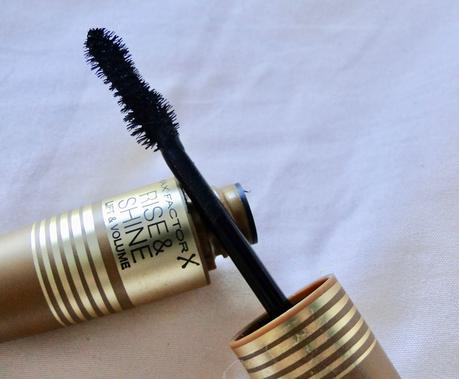 Rise & Shine de Max Factor, lifting y volumen.