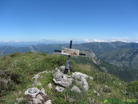 Buzón de cima del Pico del Cuervo