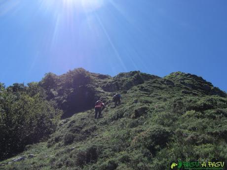Subiendo al Pico del Cuervo