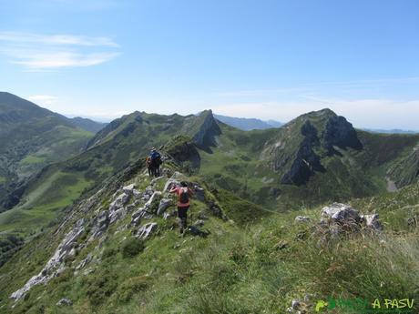 De vuelta de la cima de Peña Brañapiñueli