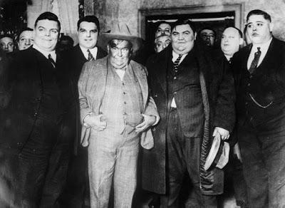 El Club de los Cien Kilos: gordos y a mucha honra