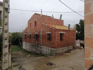 estrutura de madera en  cubierta vivienda unifamiliar en esquina