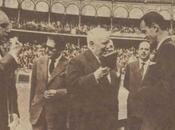 26/5/1957: torero santanderino-mexicano Carlos Arruza recibe Santander Gran Cruz Beneficencia