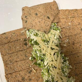 Trenza integral de brócoli y queso fresco