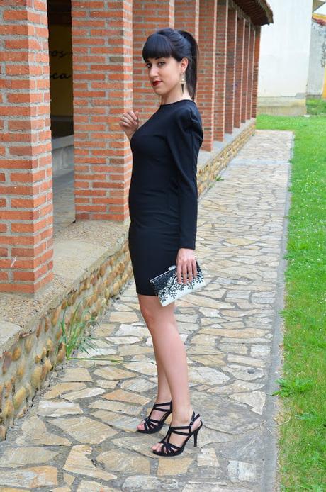 Vestido negro de una sola manga de Femme Luxe
