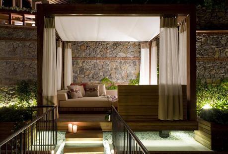 w-hotel-cabanas_080616_03